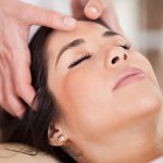 آیا ماساژ برای تقویت رشد مو مفید است؟